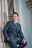 Αμερικανικός επιχειρηματίας που περιμένει σας έξω στη Νέα Υόρκη Στοκ εικόνα με δικαίωμα ελεύθερης χρήσης