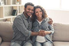 Αμερικανικό ζεύγος Afro στοκ φωτογραφία με δικαίωμα ελεύθερης χρήσης
