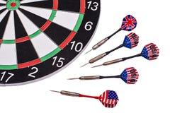 Αμερικανικό και βρετανικό βέλος σε ένα άσπρο υπόβαθρο Στοκ εικόνα με δικαίωμα ελεύθερης χρήσης