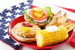 αμερικανικό burger πατριωτική Τουρκία Στοκ Φωτογραφίες