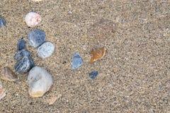 Αμμοχάλικο και άμμος στην παραλία στοκ φωτογραφίες με δικαίωμα ελεύθερης χρήσης