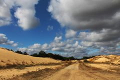Αμμόλοφοι άμμου της μεγαλύτερης ερήμου της Ευρώπης ` s Στοκ φωτογραφίες με δικαίωμα ελεύθερης χρήσης