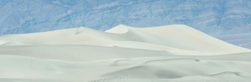 Αμμόλοφοι άμμου Mesquite στην κοιλάδα θανάτου κατά τη διάρκεια της αμμοθύελλας στο ηλιοβασίλεμα, Καλιφόρνια, ΗΠΑ Στοκ Εικόνες