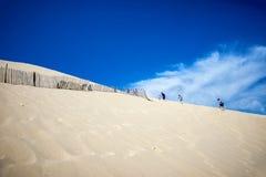 Αμμόλοφος Pilat Dune du Pyla - ο πιό ψηλός αμμόλοφος άμμου κόλπος της Ευρώπης, Αρκασόν, Aquitaine, Γαλλία, Ατλαντικός Ωκεανός στοκ εικόνα με δικαίωμα ελεύθερης χρήσης