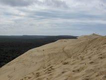 Αμμόλοφος Pilat Dune du Pyla - ο πιό ψηλός αμμόλοφος άμμου κόλπος της Ευρώπης, Ατλαντικός Ωκεανός, Αρκασόν, Aquitaine, Γαλλία στοκ φωτογραφία με δικαίωμα ελεύθερης χρήσης