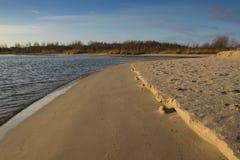 Αμμώδης ακροθαλασσιά Στοκ εικόνα με δικαίωμα ελεύθερης χρήσης