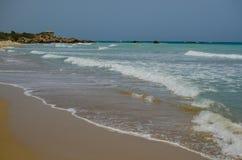 Αμμώδης μεσογειακή παραλία (Σικελία) Στοκ Φωτογραφίες