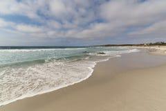 Αμμώδης παραλία Asilomar, ειρηνικό άλσος, Καλιφόρνια Στοκ Εικόνες