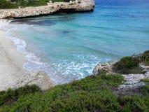 Αμμώδης παραλία, Majorca, Βαλεαρίδες Νήσοι, Ισπανία Στοκ φωτογραφία με δικαίωμα ελεύθερης χρήσης