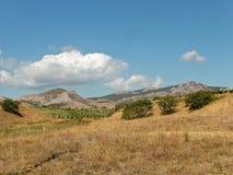 Αμπελώνας, βουνά, στέπα στην ανατολική Κριμαία Στοκ Εικόνα