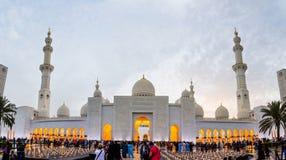 Αμπού Ντάμπι, Ε.Α.Ε. - 27 Απριλίου 2018: Άποψη εισόδων Sheikh Zayed Γ στοκ φωτογραφία
