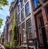 ΑΜΣΤΕΡΝΤΑΜ, ΚΑΤΩ ΧΏΡΕΣ - 15 ΑΥΓΟΎΣΤΟΥ 2016: Διάσημα κτήρια της κινηματογράφησης σε πρώτο πλάνο κέντρων της πόλης του Άμστερνταμ Γ Στοκ Εικόνες