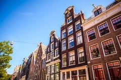 ΑΜΣΤΕΡΝΤΑΜ, ΚΑΤΩ ΧΏΡΕΣ - 15 ΑΥΓΟΎΣΤΟΥ 2016: Διάσημα κτήρια της κινηματογράφησης σε πρώτο πλάνο κέντρων της πόλης του Άμστερνταμ Γ Στοκ Εικόνα