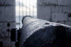 Αμυντικό πυροβόλο του Γιβραλτάρ ` s το βράδυ στοκ φωτογραφίες