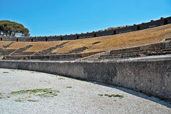 Αμφιθέατρο της παλαιάς Πομπηίας στοκ εικόνες