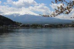 ΑΜ Φούτζι στη λίμνη Kawaguchi Στοκ φωτογραφία με δικαίωμα ελεύθερης χρήσης
