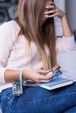 Ανάγκη να αυξηθεί γρήγορα η ζάχαρη αίματος στοκ φωτογραφία με δικαίωμα ελεύθερης χρήσης