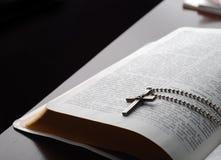 ανάγνωση Βίβλων Στοκ Φωτογραφία