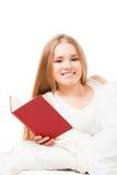 ανάγνωση βιβλίων σπορείων Στοκ Εικόνες
