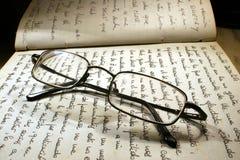 ανάγνωση γυαλιών Στοκ φωτογραφίες με δικαίωμα ελεύθερης χρήσης