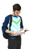 Ανάγνωση εφήβων γυμνασίου Στοκ εικόνα με δικαίωμα ελεύθερης χρήσης