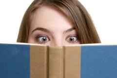 ανάγνωση κοριτσιών Στοκ Φωτογραφία