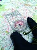 ανάγνωση χάρτου Στοκ φωτογραφία με δικαίωμα ελεύθερης χρήσης