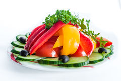 ανάμεικτα λαχανικά ελιές, αγγούρια, πιπέρια Στοκ Φωτογραφίες