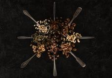 Ανάμεικτα καρύδια στα κουτάλια Στοκ Φωτογραφία