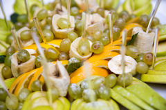 Ανάμεικτα φρούτα σε ένα πιάτο Στοκ Φωτογραφίες