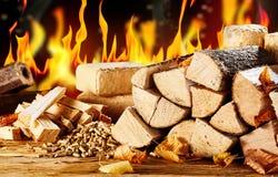 Ανάμεικτοι τύποι φυσικών βιολογικών καυσίμων για τη θέρμανση στοκ φωτογραφία με δικαίωμα ελεύθερης χρήσης