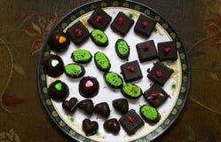Ανάμεικτο σπίτι που γίνεται τις σοκολάτες Στοκ Εικόνα