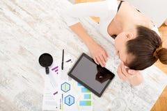 Ανάπτυξη ενός επιχειρηματικού σχεδίου Στοκ εικόνες με δικαίωμα ελεύθερης χρήσης