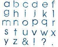 Ανάτυπα των γραμματοσήμων αγγλικός αλφαβητικός ο πεζός, που απομονώνονται στοκ φωτογραφίες