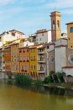 Ανάχωμα στον ποταμό Arno στη Φλωρεντία στοκ εικόνα με δικαίωμα ελεύθερης χρήσης