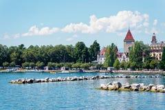 Ανάχωμα της Γενεύης λιμνών στο πύργο Ouchy στη Λωζάνη Στοκ φωτογραφία με δικαίωμα ελεύθερης χρήσης