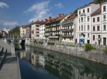 Ανάχωμα του ποταμού Ljubljanica στο Λουμπλιάνα, Σλοβενία Στοκ Εικόνες