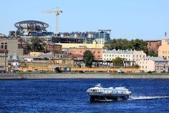 Ανάχωμα του ποταμού Neva στοκ εικόνες