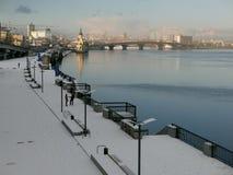 Ανάχωμα του χειμώνα ποταμών Dnieper Στοκ Φωτογραφία