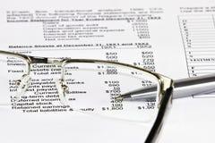 Ανάλυση επιχειρησιακών οικονομική στοιχείων Στοκ Εικόνα