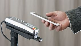 Ανέπαφη πληρωμή με Smartphone απόθεμα βίντεο