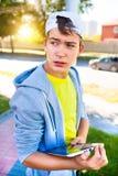 Ανήσυχος έφηβος με την ταμπλέτα Στοκ φωτογραφίες με δικαίωμα ελεύθερης χρήσης