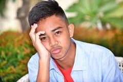 Ανήσυχος νεαρός μειονότητας στοκ εικόνα με δικαίωμα ελεύθερης χρήσης