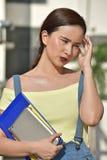 Ανήσυχος όμορφος σπουδαστής κοριτσιών Filipina στοκ φωτογραφίες