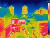 Ανίχνευση της απώλειας θερμότητας έξω από την οικοδόμηση Στοκ φωτογραφίες με δικαίωμα ελεύθερης χρήσης