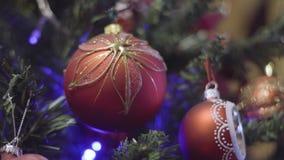 Αναβοσβήνοντας γιρλάντα Αστραπή φω'των χριστουγεννιάτικων δέντρων νέο έτος διακοσμήσεων Χριστουγέννων απόθεμα βίντεο