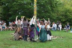 Αναγέννηση faire εκτός κράτους Νέα Υόρκη, παραδοσιακός χορός στοκ φωτογραφία