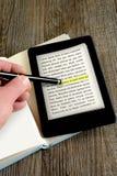 Αναγνώστης Ebook Στοκ εικόνα με δικαίωμα ελεύθερης χρήσης