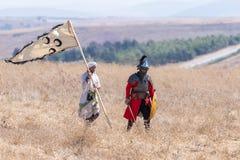 Αναδημιουργία των κέρατων της μάχης Hattin το 1187 Οι αντιπρόσωποι από το στρατό του Σαλαντίν πηγαίνουν να συναντηθούν με τους στ στοκ εικόνες