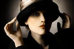 αναδρομική γυναίκα πορτρέτου καπέλων Στοκ εικόνες με δικαίωμα ελεύθερης χρήσης